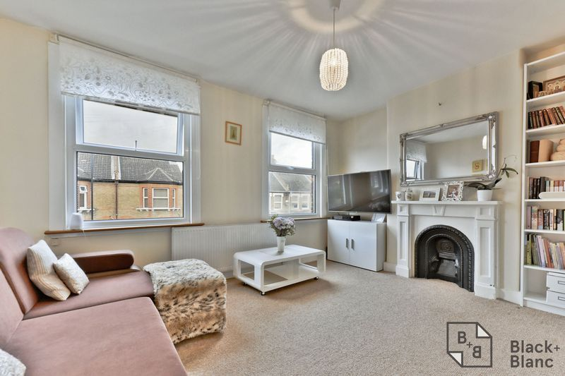 2 bed flat for sale in 116 Davidson Road 2