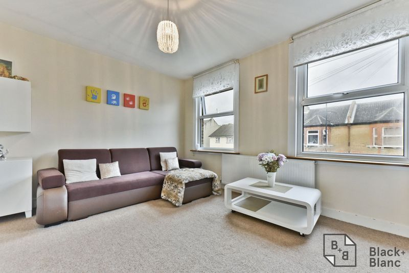 2 bed flat for sale in 116 Davidson Road 3