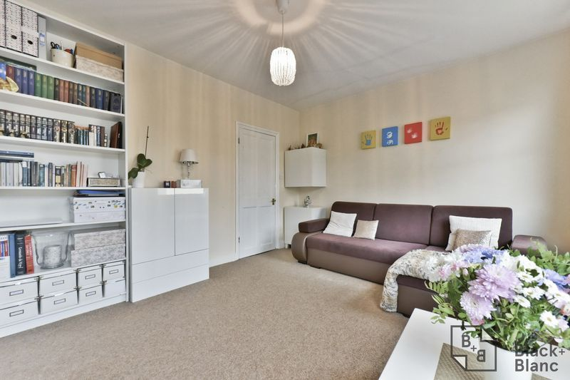 2 bed flat for sale in 116 Davidson Road  - Property Image 4