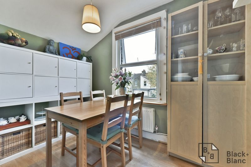 2 bed flat for sale in 116 Davidson Road  - Property Image 6