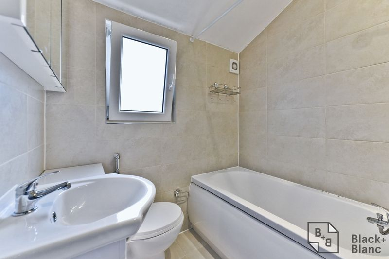 2 bed flat for sale in 116 Davidson Road 10