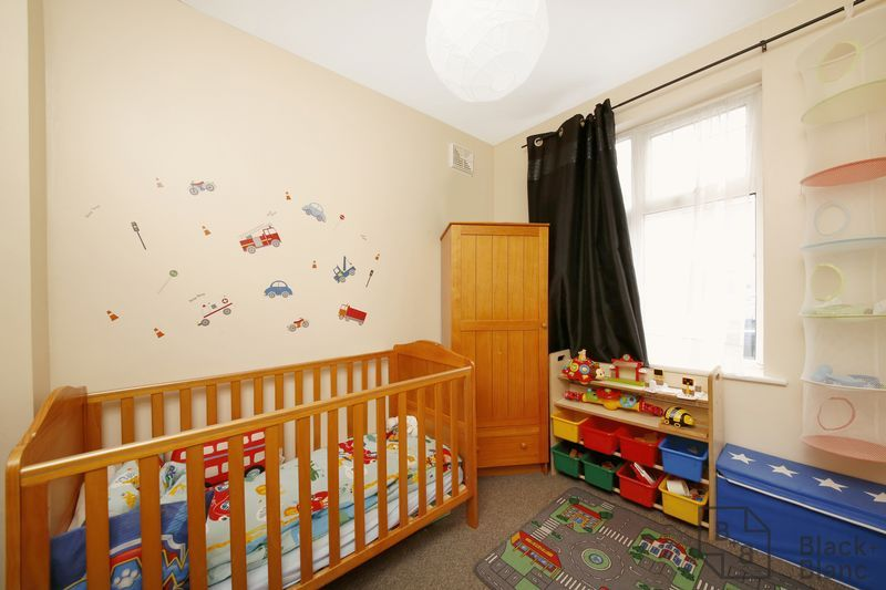 2 bed flat for sale in Davidson Road  - Property Image 6