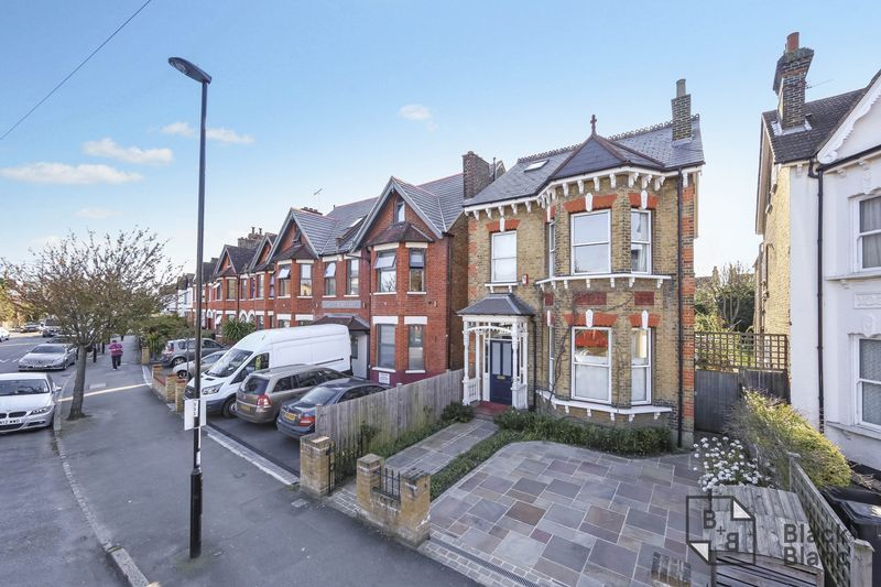 4 bed house for sale in Morland Avenue - Property Image 1