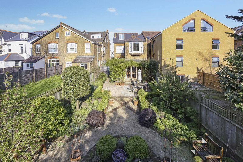 4 bed house for sale in Morland Avenue 23