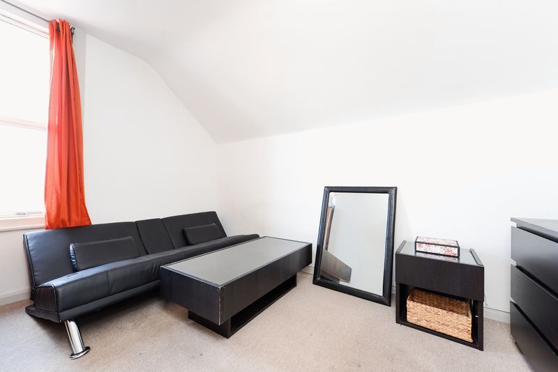 1 bed flat for sale in Clarence Road 3