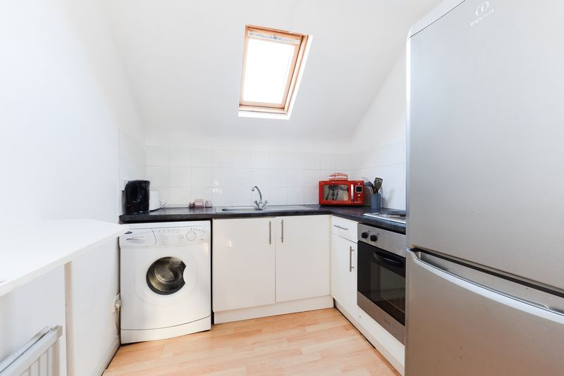 1 bed flat for sale in Clarence Road 4