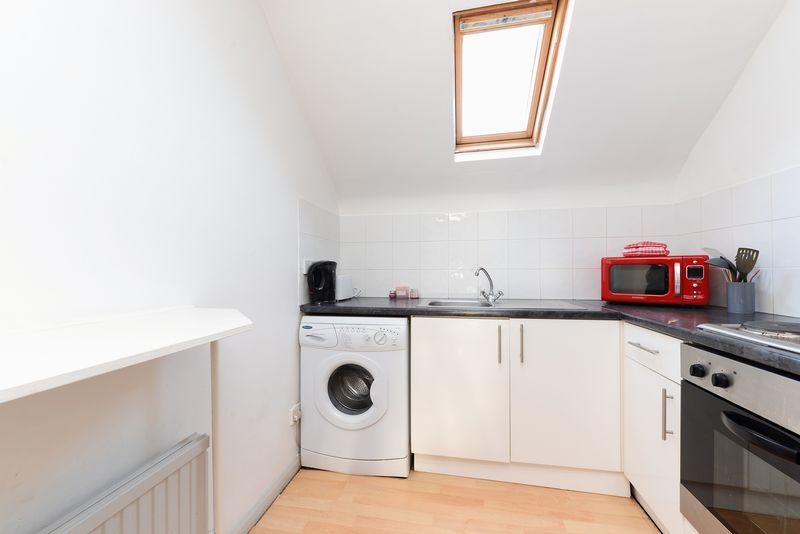1 bed flat for sale in Clarence Road 5
