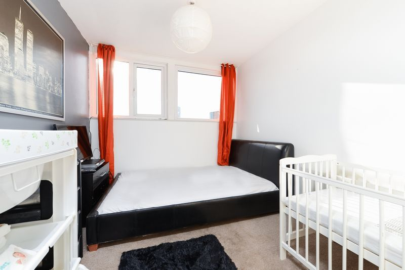 1 bed flat for sale in Clarence Road 6