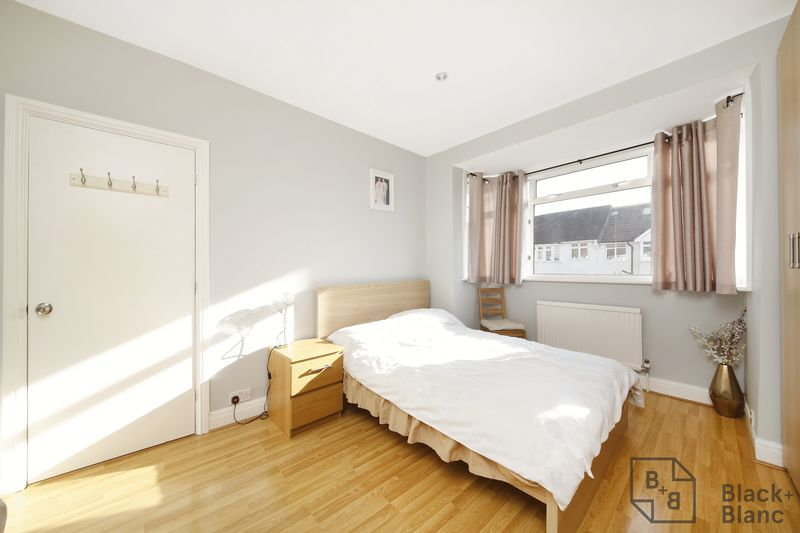 4 bed house for sale in Donnybrook Road  - Property Image 7