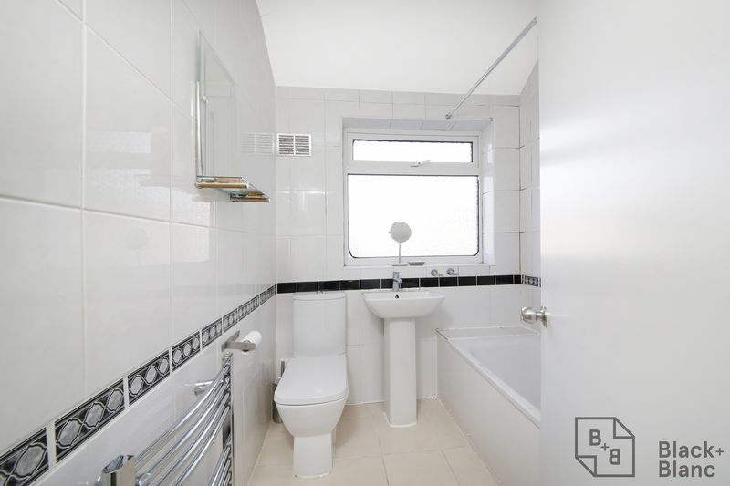 4 bed house for sale in Donnybrook Road 8
