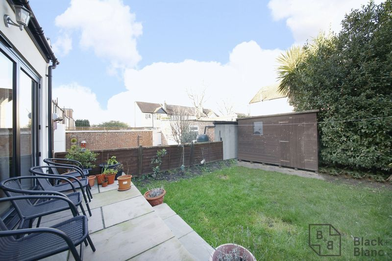 4 bed house for sale in Donnybrook Road 10