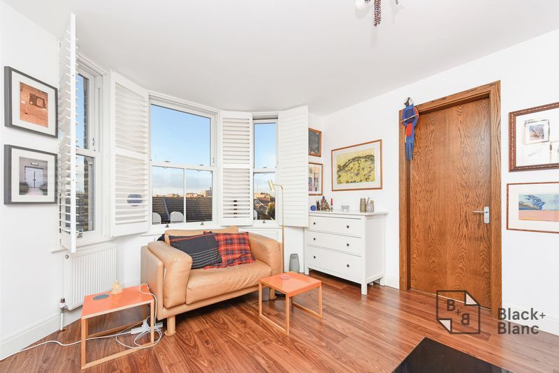 1 bed flat for sale in Epsom Road  - Property Image 2
