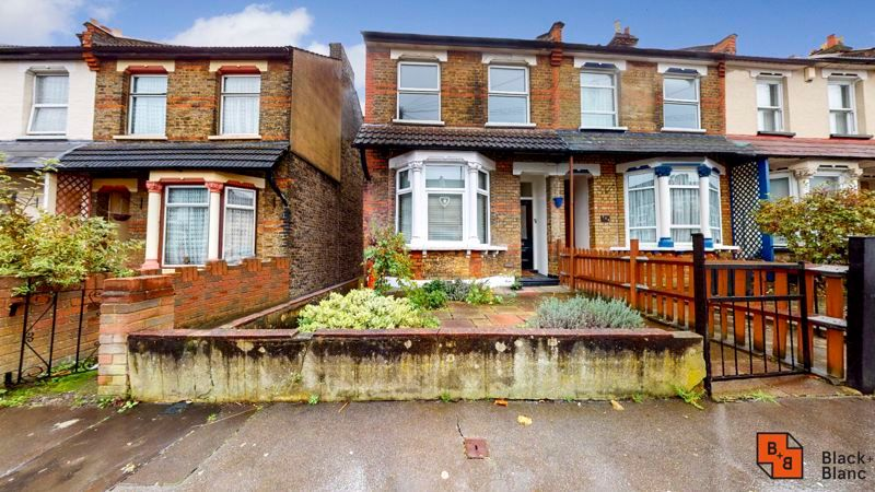 1 bed flat for sale in Davidson Road 1