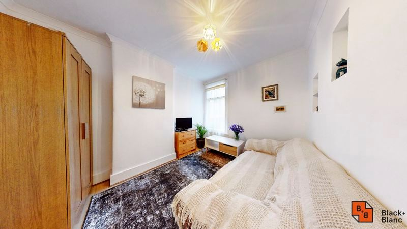 1 bed flat for sale in Davidson Road 5