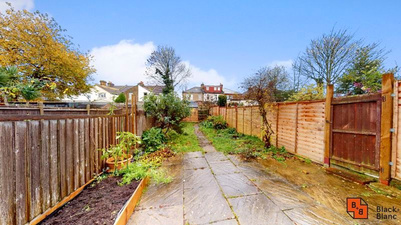 1 bed flat for sale in Davidson Road 7