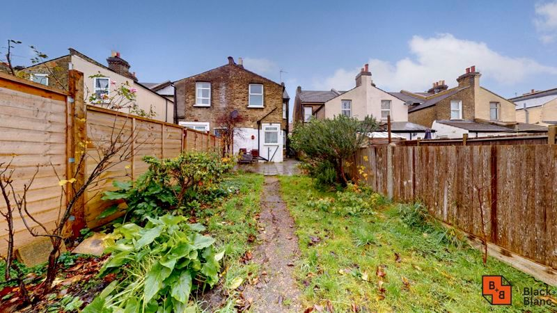 1 bed flat for sale in Davidson Road  - Property Image 8