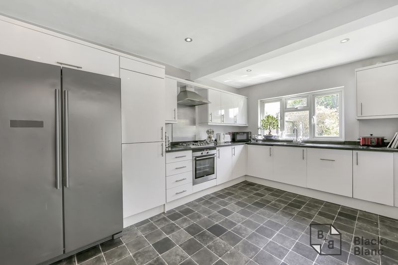 3 bed house for sale in Tunstall Road 4