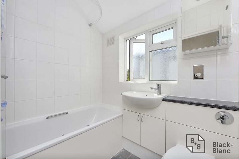 3 bed house for sale in Tunstall Road 6