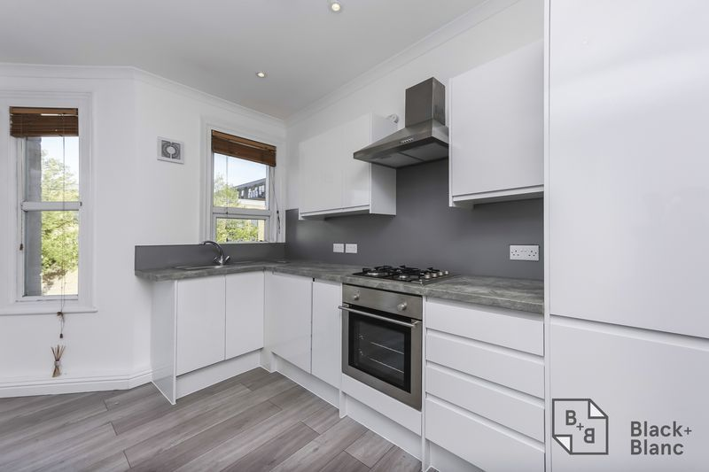 2 bed flat to rent in Plough Lane  - Property Image 3