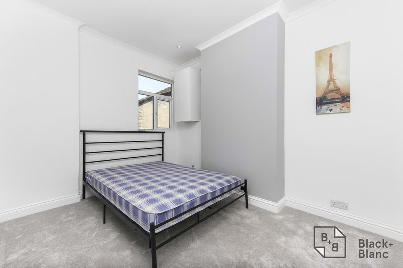 2 bed flat to rent in Plough Lane  - Property Image 7