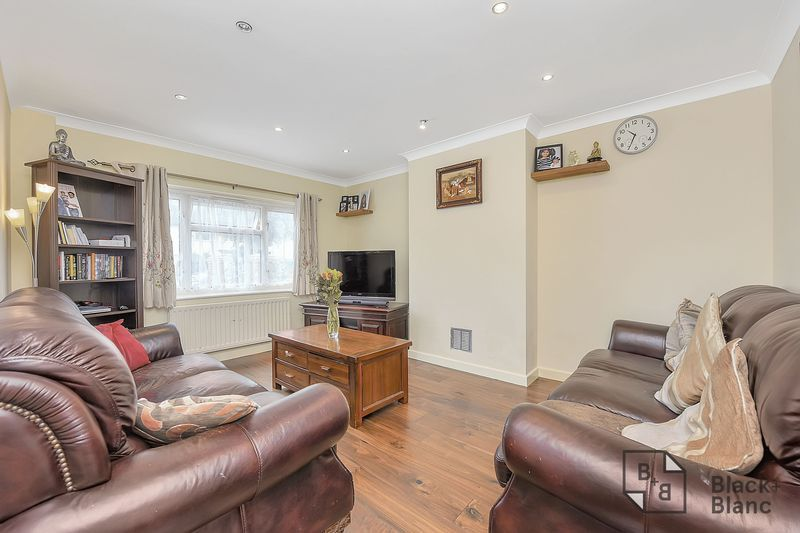 4 bed house for sale in Norbury Avenue  - Property Image 2