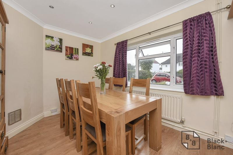 4 bed house for sale in Norbury Avenue  - Property Image 3
