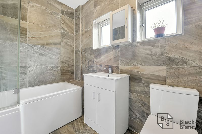 4 bed house for sale in Norbury Avenue  - Property Image 5