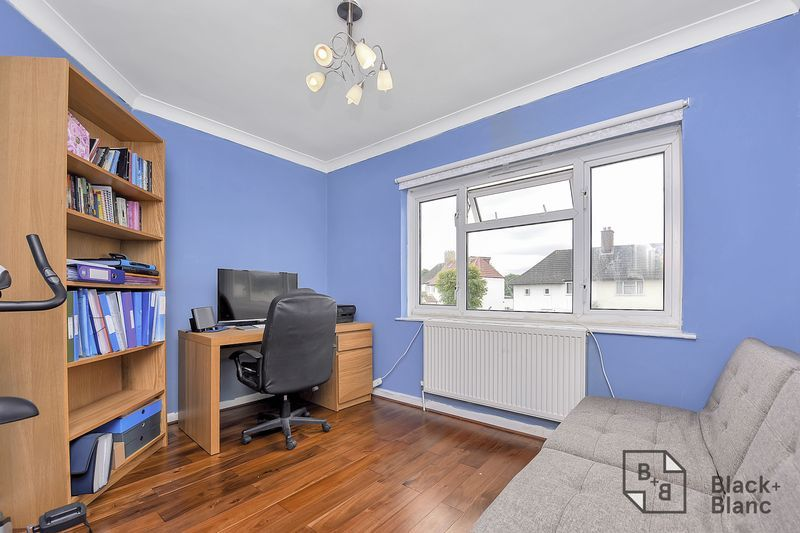4 bed house for sale in Norbury Avenue  - Property Image 9