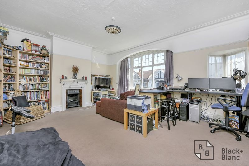 2 bed flat for sale in Chisholm Road  - Property Image 8