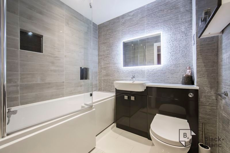 2 bed flat for sale in Leslie Park Road  - Property Image 3