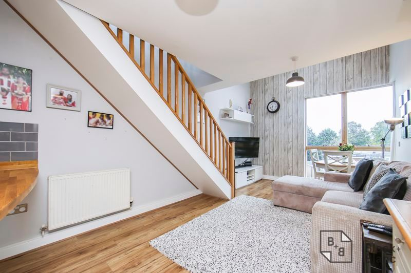 2 bed flat for sale in Leslie Park Road  - Property Image 8