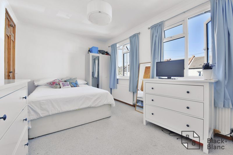 2 bed house for sale in Northway Road 4