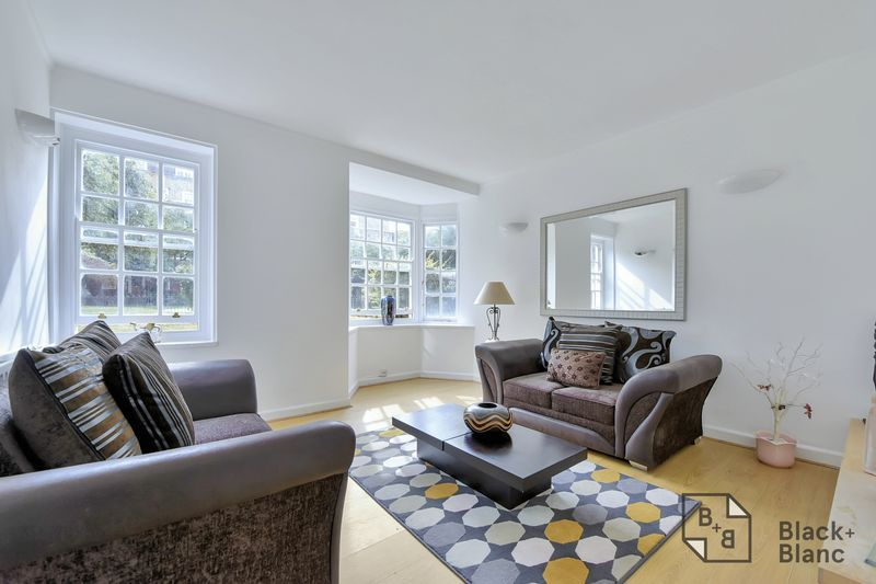 2 bed flat for sale in Albion Avenue, SW8