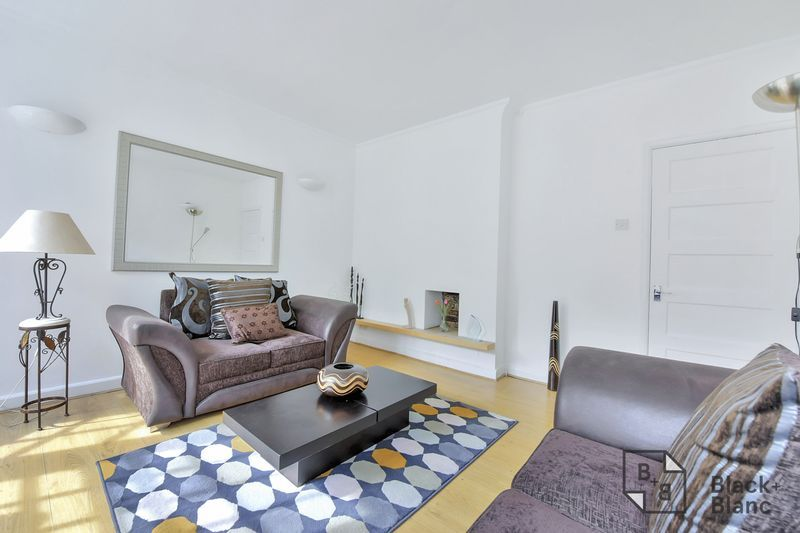 2 bed flat for sale in Albion Avenue 2