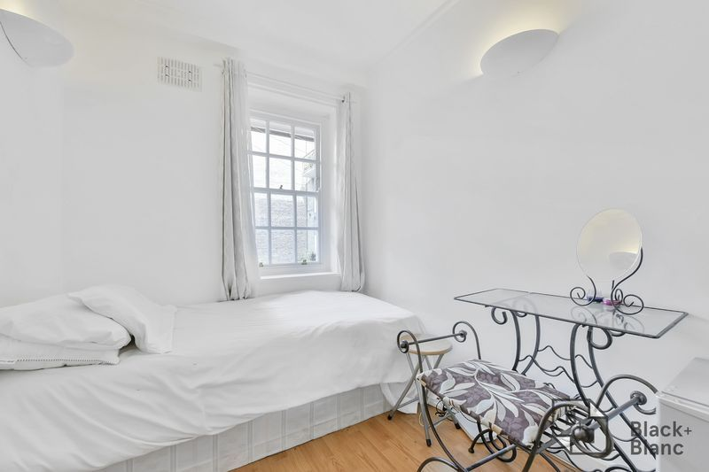 2 bed flat for sale in Albion Avenue 5