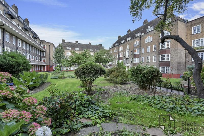 2 bed flat for sale in Albion Avenue  - Property Image 7