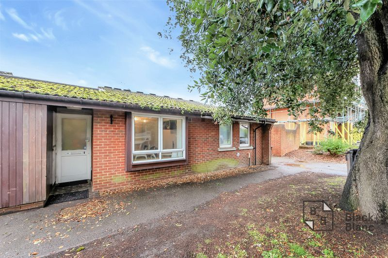 1 bed bungalow for sale in Freemasons Road, CR0