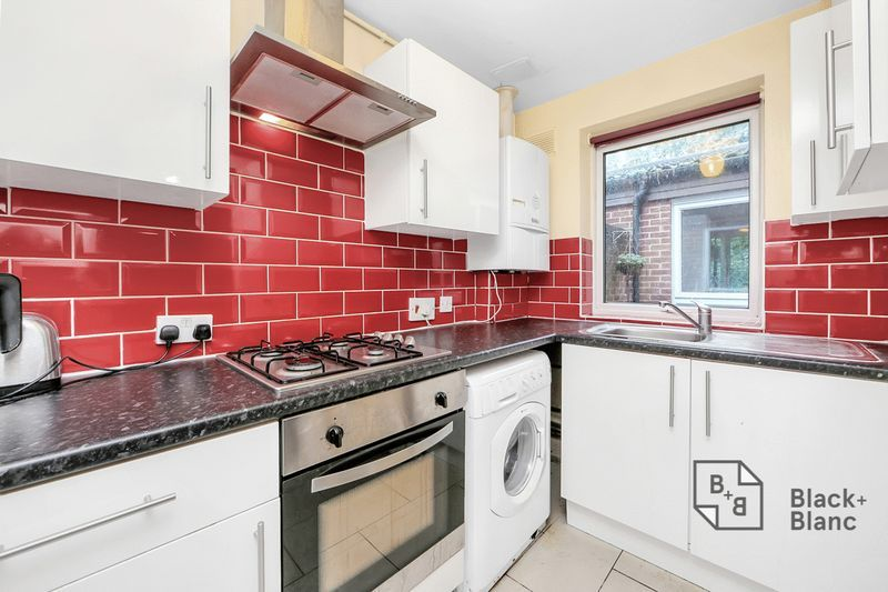 1 bed bungalow for sale in Freemasons Road 4
