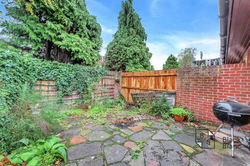1 bed bungalow for sale in Freemasons Road 8