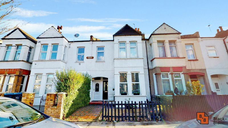 2 bed flat for sale in Alexandra Road, CR0