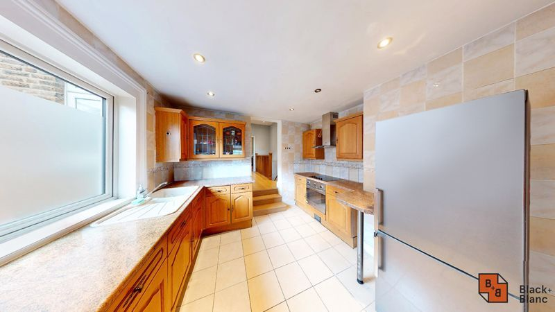 2 bed flat for sale in Alexandra Road 4