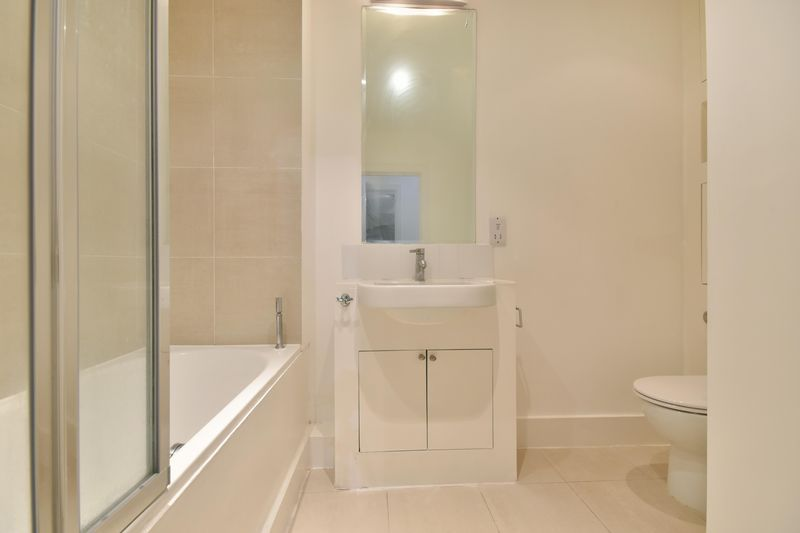 1 bed flat to rent in 78 Sumner Road  - Property Image 7