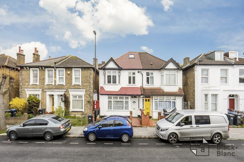 3 bed house for sale in Davidson Road - Property Image 1