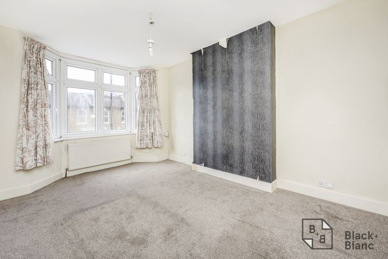 3 bed house for sale in Davidson Road  - Property Image 7