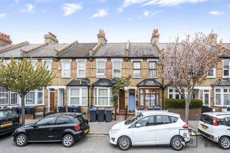 2 bed house for sale in Elmers Road 1