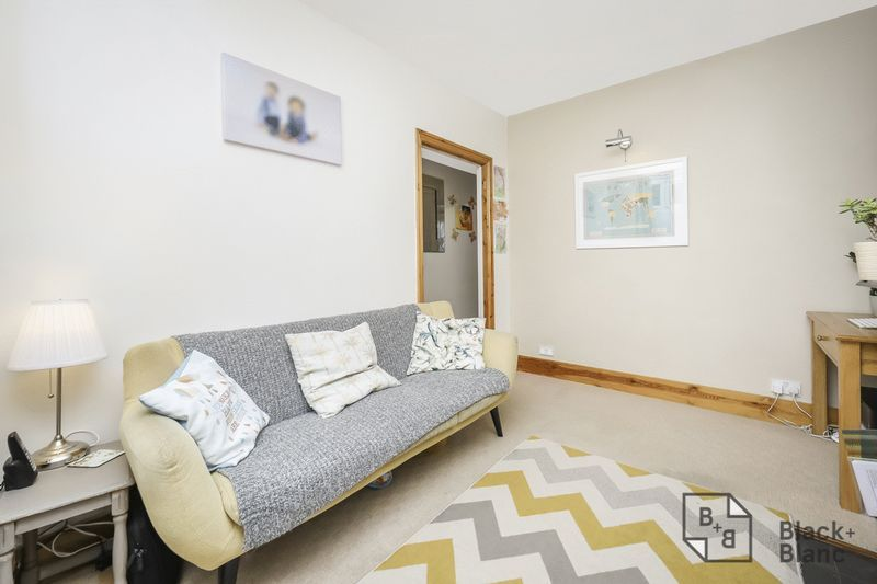 2 bed house for sale in Elmers Road 2