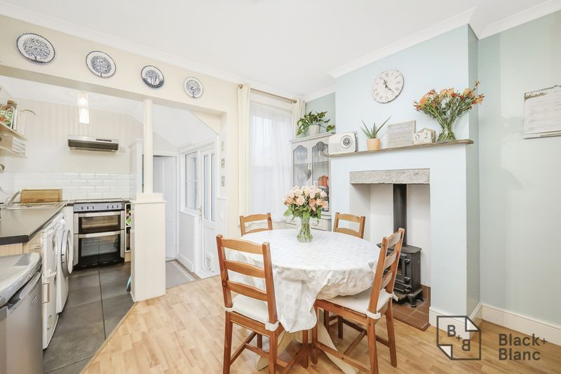 2 bed house for sale in Elmers Road  - Property Image 4