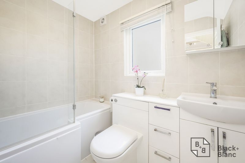 2 bed house for sale in Elmers Road  - Property Image 6