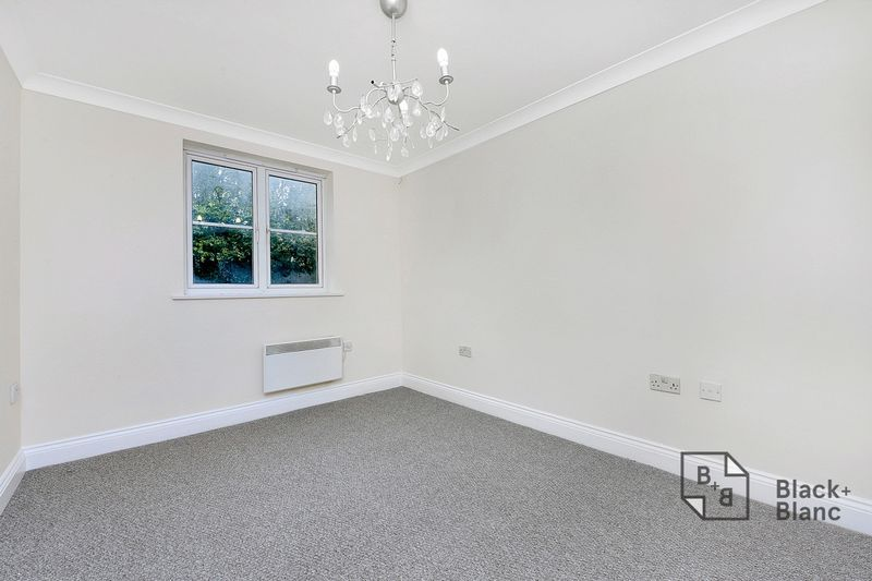 2 bed flat to rent in East India Way  - Property Image 3
