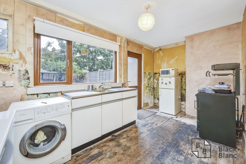2 bed house for sale in Thornton Road 3
